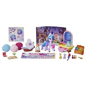 Hasbro My Little Pony: A New Generation Movie Story Scenes Critter Creation Izzy Moonbow