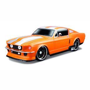 Maisto Tech Street Cars 1:24 1967 Ford Mustang GT (81018)