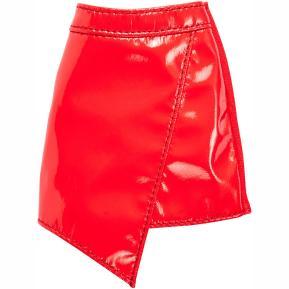 Barbie Fashions Φούστα Δερμάτινη  Κόκκινη (FYW88)
