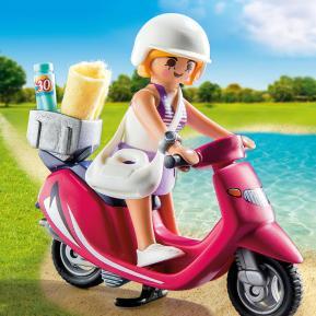 Playmobil Κοπέλα με σκούτερ